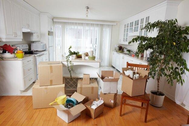 بسته بندی لوازم آشپزخانه در اسباب کشی خانه
